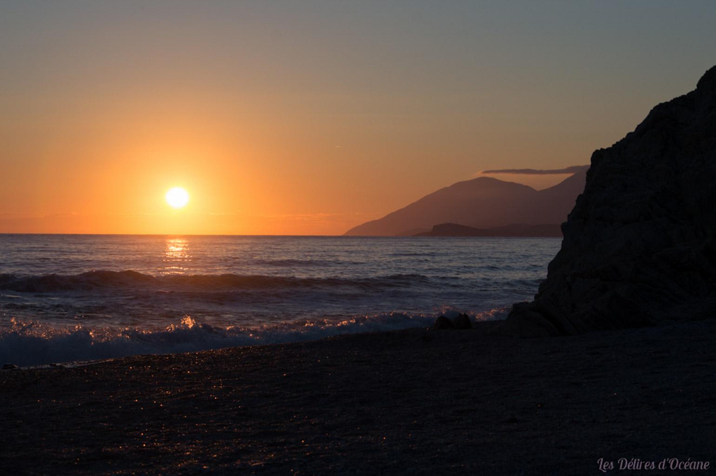 Magnifique couché de soleil Europe Lukove beach Albanie Riviera Albanaise Paysages d'Albanie Albanian landscape