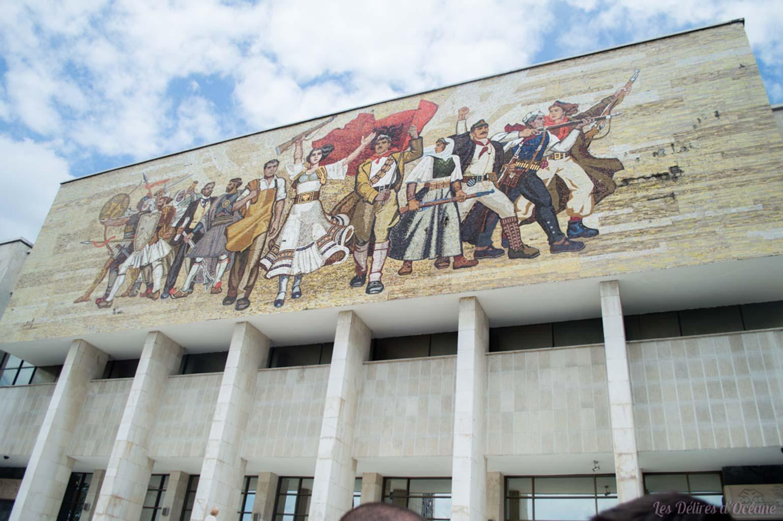 fresque céramique musée de l'histoire tirane albania carnet de voyage en Albanie